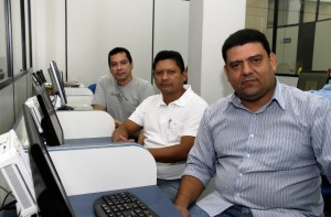 O professor de Matemática Eriberto Façanha explica que, após identificação das escolas com desempenho baixo na disciplina, o grupo se desloca até o município, para trabalhar com os educadores