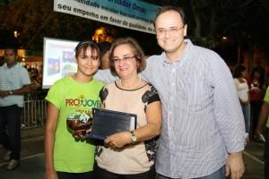 Presidente do Consed e Secretária de Educação do Mato Grosso do Sul, Nilene Badeca (centro) com o secretário da Seduc, Rossieli Silva