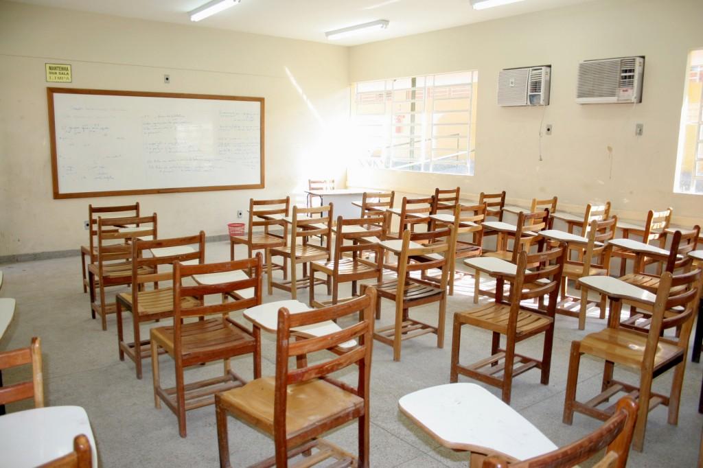Seduc prepara a ampliação e reforma integral da escola estadual Petrônio  Portela no Conjunto Dom Pedro 1f95414e95a